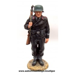 KING & COUNTRY - EO SOLDAT ALLEMAND SS  GARDE A VOUS  39/45